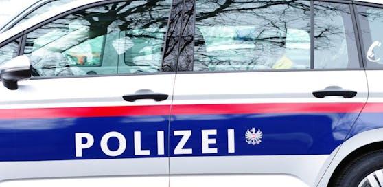 Drei Personen wurden bei dem Crash verletzt, darunter zwei Kinder.