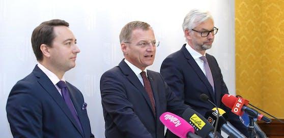 Manfred Haimbuchner, Thomas Stelzer und Michael Strugl (v.li.) stellten des Budget 2019 vor.