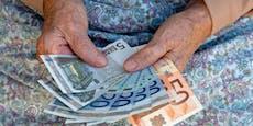 Bei der Rente zahlen Frauen drauf