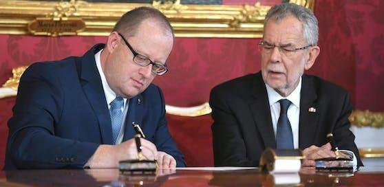 FPÖ-Finanzreferent Hubert Fuchs (l.) war in der türkis-blauen Regierung Staatssekretär im Finanzministerium.
