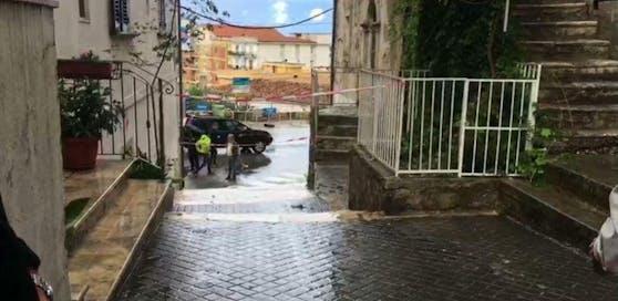 Drama in Ischitella: 15-Jährige wird von Ex-Mann ihrer Mutter erschossen.