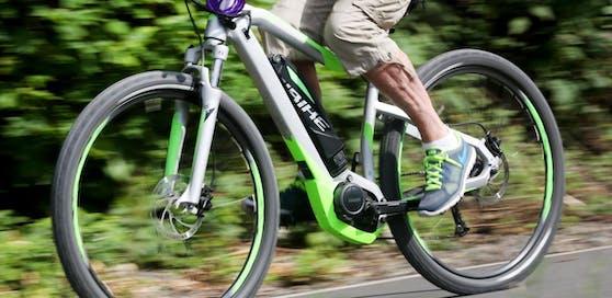 65 km/h im Ortsgebiet. Und das mit einem E-Bike.