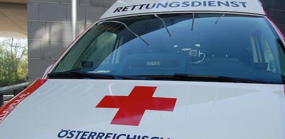 Zahlreiche Helfer waren umgehend vor Ort. Der Frau konnte aber nicht mehr geholfen werden, ihre Verletzungen waren zu schwer.