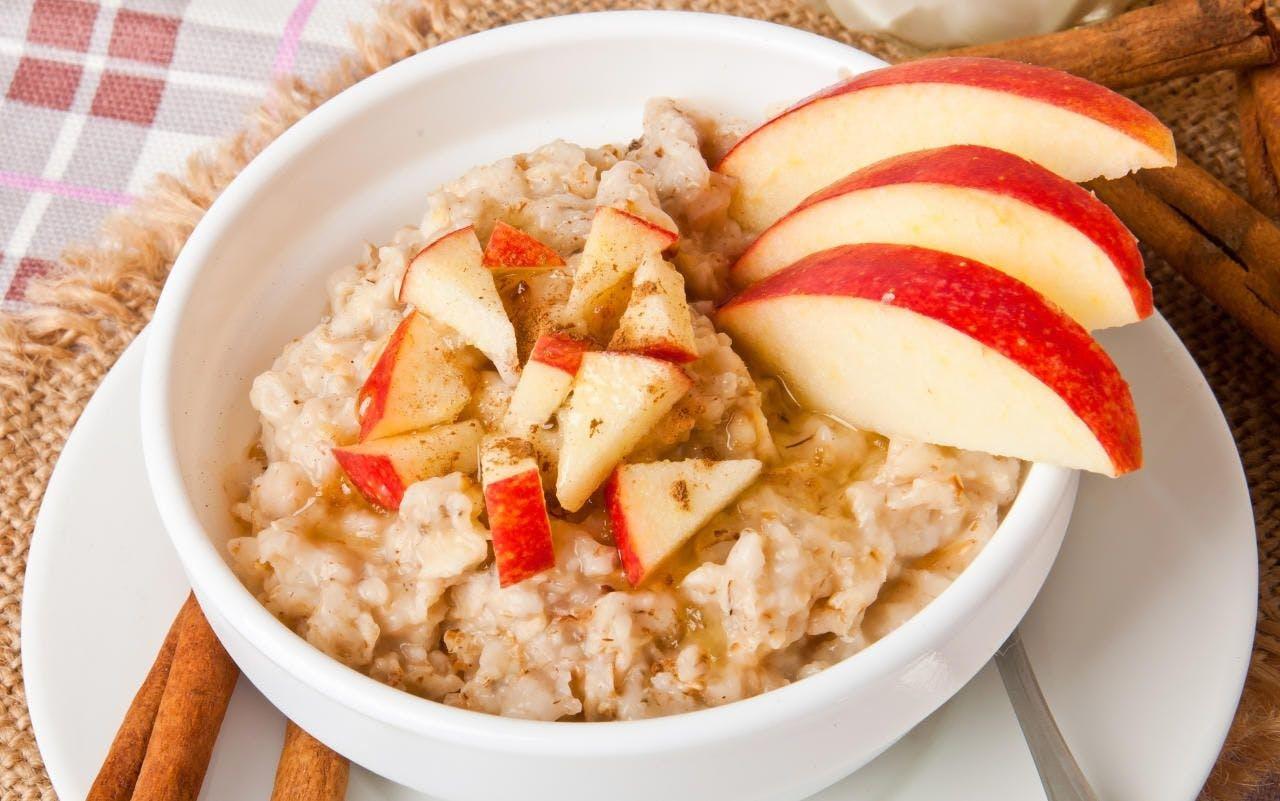 Apfel-Zimt Porridge mit Chia