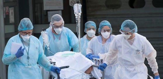 Operationen in den Kärntner Krankenhäusern werden teilweise wieder verschoben. (Symbolbild)