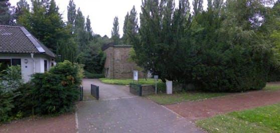 """Tatort: Auf dem Bochumer """"Blumenfriedhof"""" war die Frau mehrfach vergewaltigt worden."""