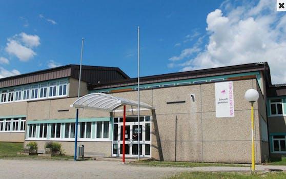 Der Jugendliche drohte mit einem Amoklauf an der Neuen Mittelschule in Ohlsdorf
