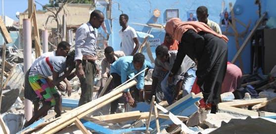 Am 20. Juni 2017 starben zehn Menschen bei Selbstmordanschlag der al-Shabaab-Miliz in Mogadischu. Archivbild