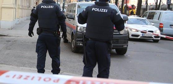 Die Polizei konnte den Verdächtigen noch am Tatort festnehmen.