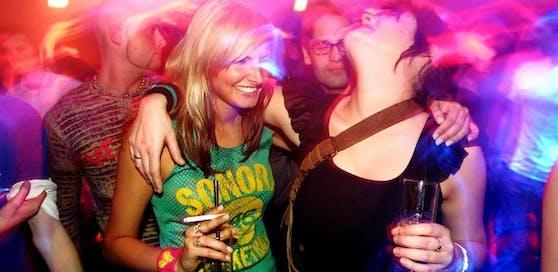 Rauchverbot, Ausgangssperren und gebrannter Alkohol ? das sind die großen Bereiche, auf die man sich einheitlich einigen will.