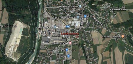 Der Unfall passierte im Zentrum von Laakirchen.