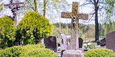 31-Jähriger überfällt und zündet Frau auf Friedhof an
