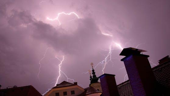 Blitz und Donner: Neue Gewitter sind im Anrollen!