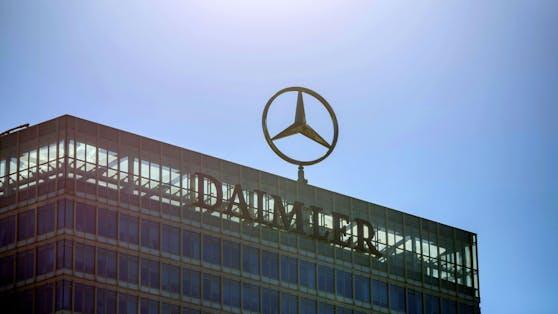 """Daimler ändert seine Strategie von """"Electric first"""" auf """"Electric only""""."""