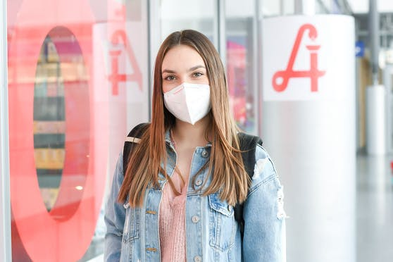 Um die Delta-Welle zu bekämpfen, empfiehlt der Experte das Comeback der Schutzmaske bei Veranstaltungen in Innenräumen.