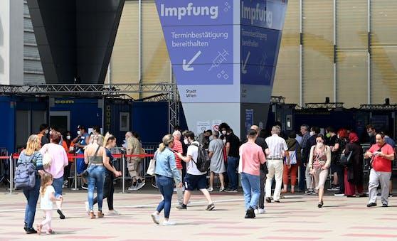 Das große Impf-Zentrum beim Austria-Center in Wien-Donaustadt.