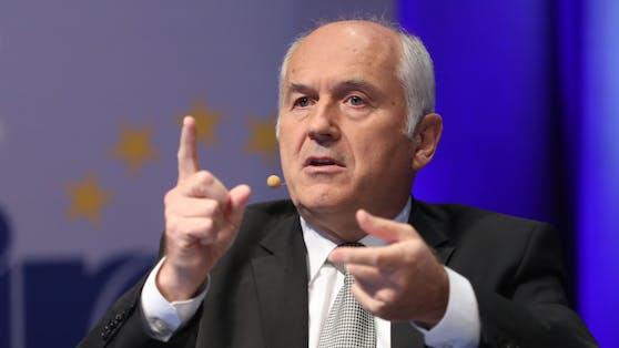 Der gebürtige Kärntner Valentin Inzko ist seit 1. März 2009 der Hohe Repräsentant für Bosnien und Herzegowina.