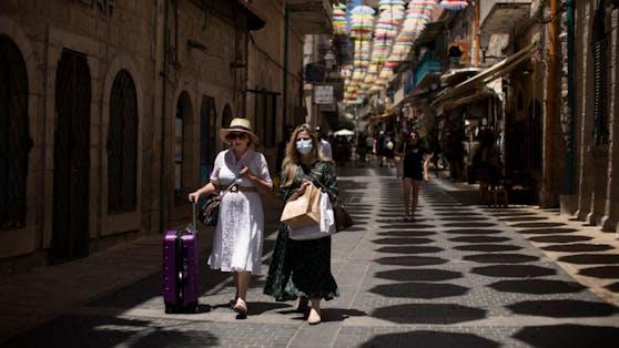 In Israel steigt die Zahl der Corona-Neuinfektionen weiter deutlich an.
