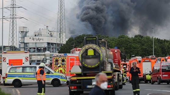 In Leverkusen (NRW) gab es eine gewaltige Explosion beim sogenannten Chempark.