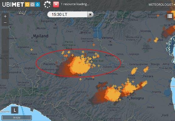 Die Blitzanalyse um 15:30 Uhr mit der Superzelle nordwestlich von Parma.