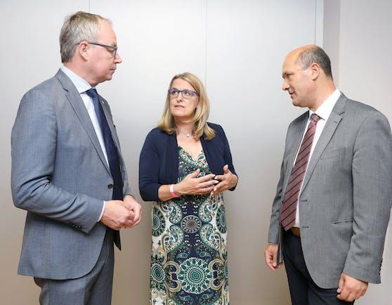 Stephan Pernkopf mit Ulrike Königsberger-Ludwig und Johannes Pressl
