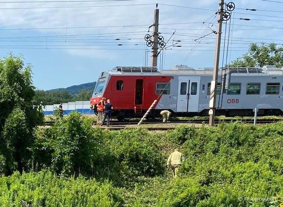 Die Person rutschte unter den Zug.
