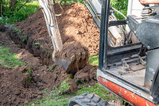 Beim Ausheben eines Brunnenschachts wurde ein riesiger Edelsteinklumpen entdeckt. (Symbolbild)