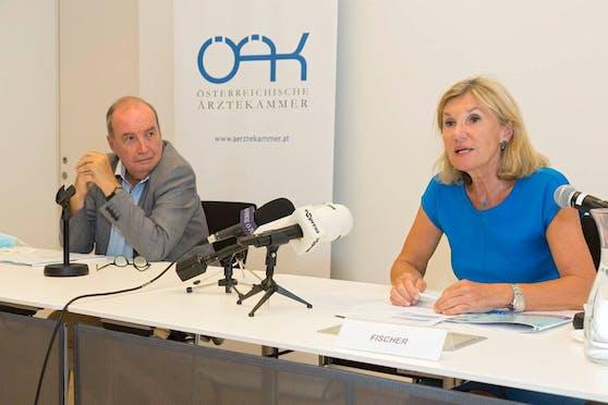 Ärztekammer-Beauftragter Norbert Jachimowicz und die Leiterin der Drogenambulanz an der MedUni Wien Gabriele Fischer.