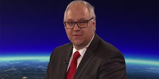 """Gerry Foitik, Bundesrettungskommandant des Roten Kreuzes, in der ORF-""""ZiB 2""""."""