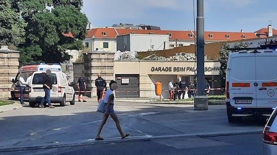Zwei Tote wurden in der Garage beim Palais Schwarzenberg in Wien entdeckt.