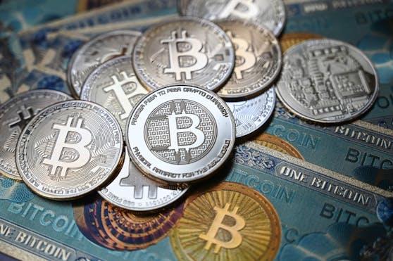 Bitcoin & Co. sind extremen Kursschwankungen unterworfen.