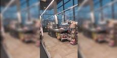 Regen zerstört Dach und flutet Supermarkt in NÖ