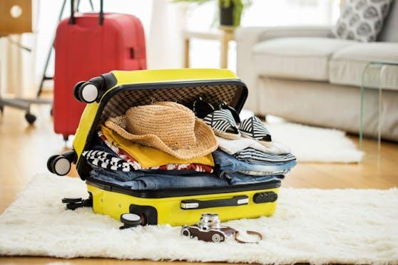 So viel Kleider. so wenig Koffer: Packen für die Reise kann einem den Nerv rauben.