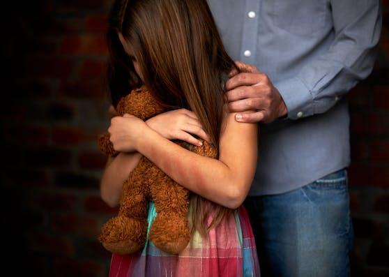 Die Zwölfjährige wurde von einem doppelt so alten Mann sexuell missbraucht und geschwängert. (Symbolbild)