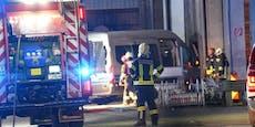 Bus mit 14 Personen prallte in Gebäude bei Haag
