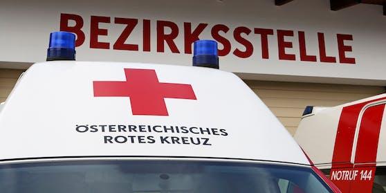 Das Rettungsauto blieb völlig unbeschädigt (Symbolbild)
