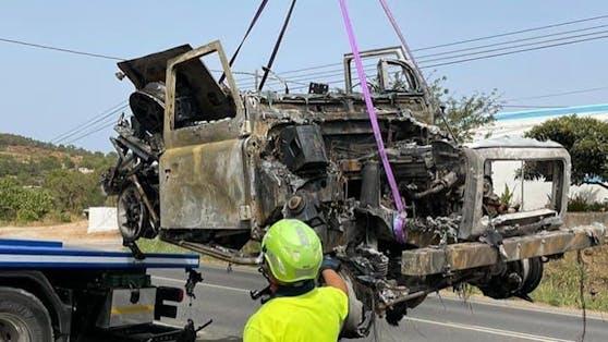 Auf einer Vater-Sohn-Spitztour durch Ibiza fing der Geländewagen von Sänger Thomas Anders plötzlich Feuer und brannte völlig aus.