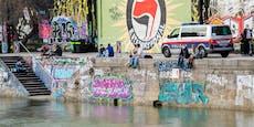 E-Scooterfahrer stürzt bei Crash in den Donaukanal
