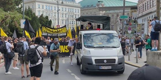 Zur Demonstration kamen rund 400 Menschen