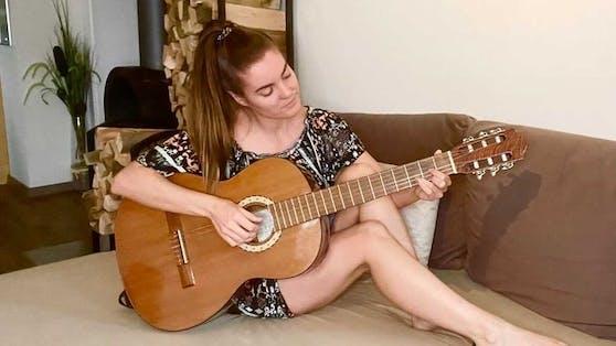 Auch wenn die Stimme nach ihrer Corona-Erkrankung noch nicht zu 100 Prozent zurück ist, kann Katharina Weiß das Singen nicht lassen.