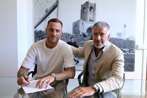 Marko Arnautovic bei seiner Unterschrift.