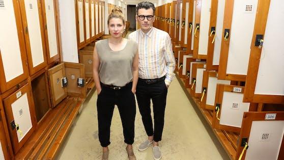 Martina Ebm und Manuel Rubey im Thermalbad Bad Vöslau