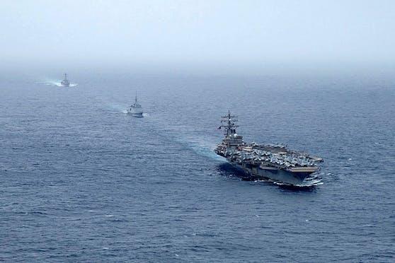 Im Oman wurde ein Frachtschiff mit Drohnen attackiert, zwei Personen kamen ums Leben.