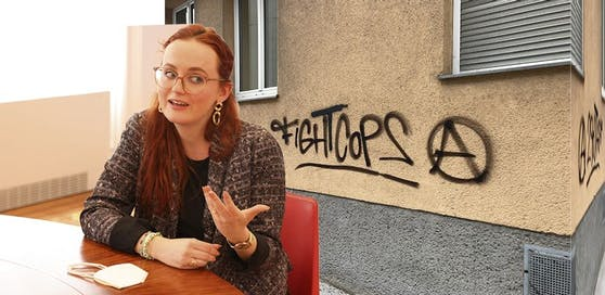 Die Wiener ÖVP-Gemeinderätin Laura Sachslehner will hart gegen Hass-Graffitis vorgehen. Sie fordert unter anderem den Ausbau von Videoüberwachungen.