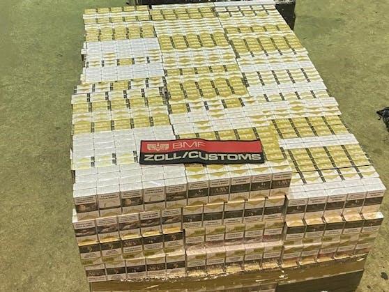 8.000 Packerl Tschick oder 160.000 Zigaretten zog der Zoll aus dem Verkehr.