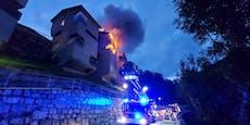 Erst brennt Auto, dann das Haus – Großeinsatz in Tirol