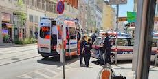 77-Jähriger verlässt Shop, fällt 20 Meter weiter tot um