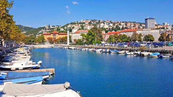 Die Hafenstadt Rijeka an der Kvarner Bucht gilt als das Tor zu den Inseln Kroatiens.