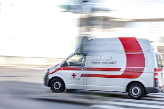 in Krankenwagen des Roten Kreuzes im Einsatz (Archivfoto)