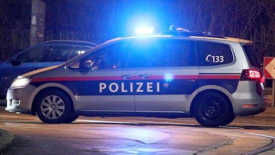 Zwei betrunkene Frauen attackierten nach einem Unfall die Wiener Polizei. (Symbolbild).